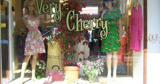 Very Cherry Vintage Shop