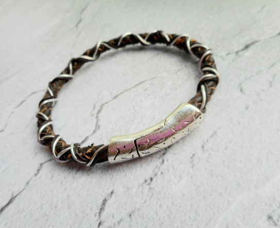 Homemade mens bracelet braided leather unisex for ladies men fashion jewelry jewellery jewelery Etsy accessories beauty shop shops shopping online webshop handmade design magnet