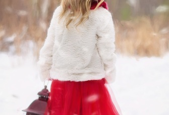 little-girl-winter-snow-red